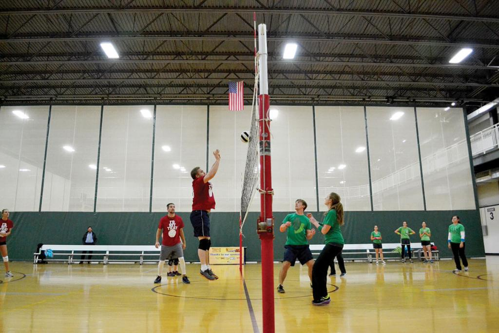 Bloomington Local Fitness Centers - Adult Volleyball