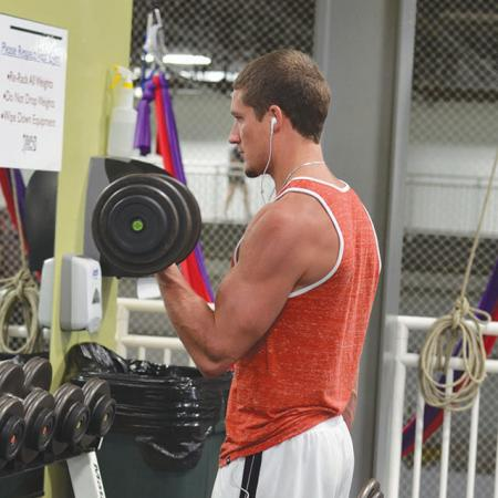 Workout Bloomington - Wes lifting weight
